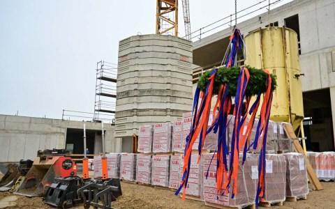 Richtfest am Neubau der Feuer- und Rettungswache III in Igstadt