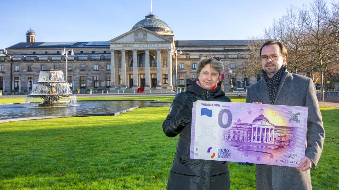 Kurhaus hat jetzt eigenen Geldschein ©2019 Stadt Wiesbaddene