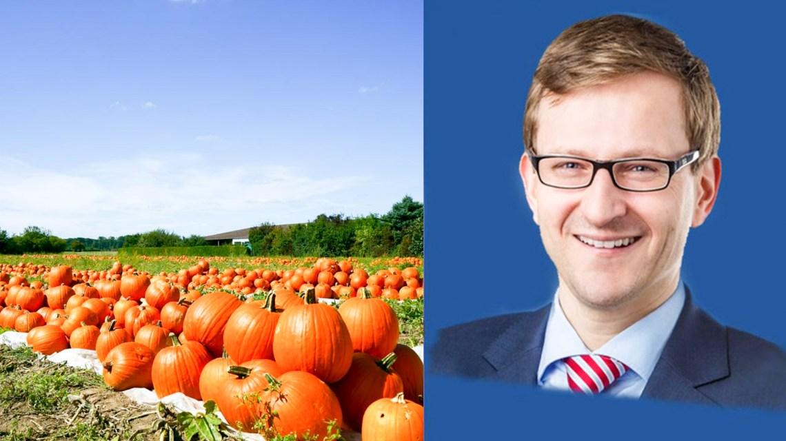 Dr. Oliver Franz im Dialog mit Wiesbadens Landwirten.