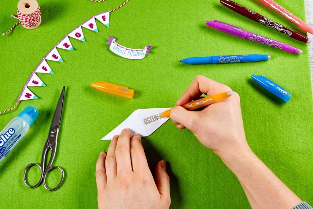 Basteln und beschriften mit dem richtigen Stif ©2020 djd / Pilot Pen