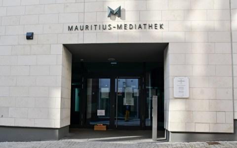 Mediathek Wiesbaden, Stadtbücherei