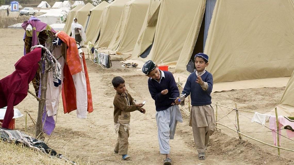 minderjährige Flüchtlinge im Flüchtlingslager in Pakistan. Symbolbbild, ©2020 Bild von David Mark auf Pixabay