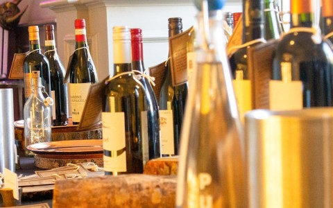 Weinprobe ©2020 Bild von PicTic auf Pixabay
