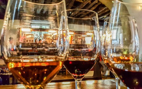 Wein Bild von joakant auf Pixabay