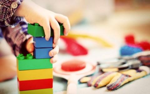 Kinderbetreuung ©2020 Bild von Esi Grünhagen auf Pixabay
