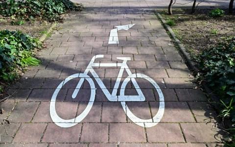 Radfahrer, Fahrradweg, Piktoogramm in den Reisinger Anlagen