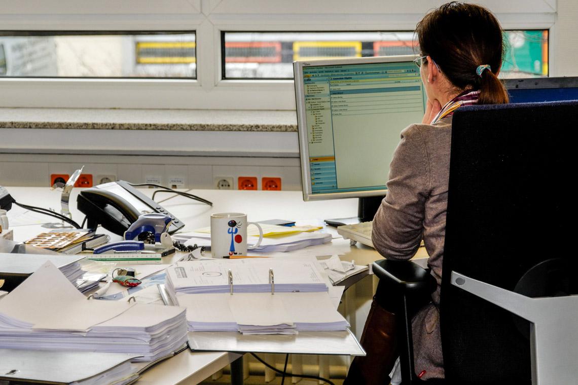 Büro, viel arbeit, ©2020 Jörg Möller auf Pixabay