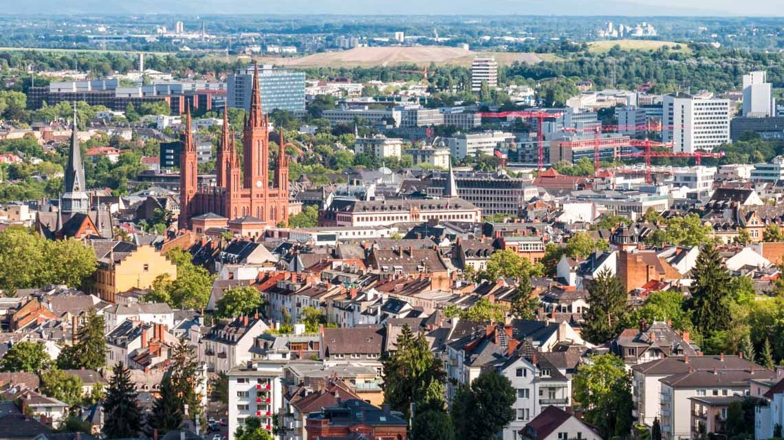 Wiesbaden Stadt Marktkirche, stock.adobe.com @majonit