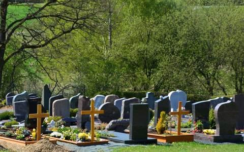 Friedhof – congerdesign auf Pixabay