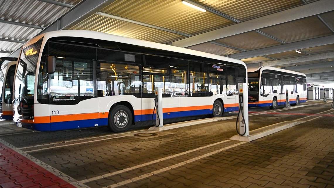 56 Ladestationen und neue Batteriebusse mit größerer Reichweite für ESWE Verkehr