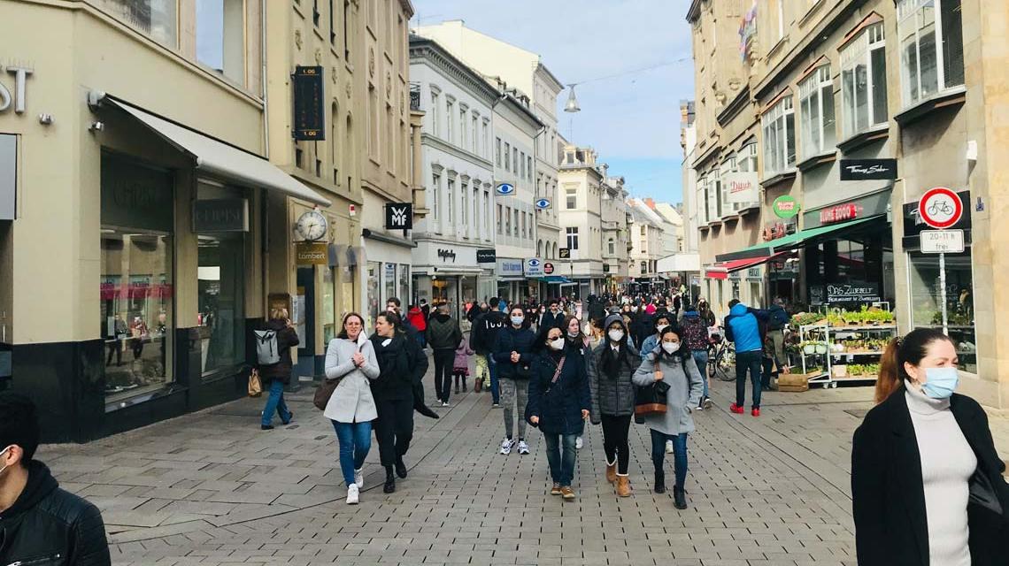 Polizeikontrollen negativ, Wiesbadens Innenstadt