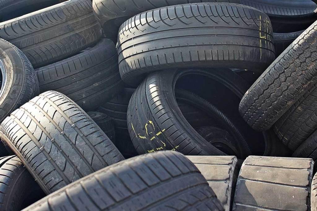 Berg alter Reifen