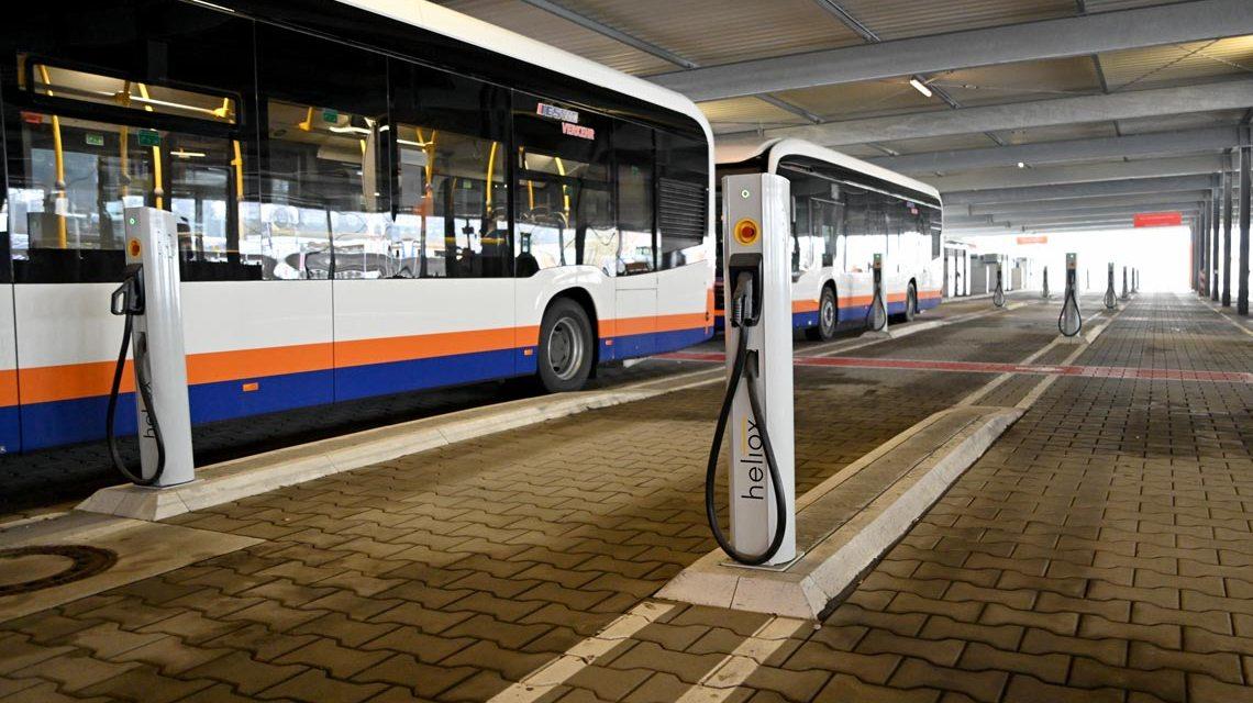 INOS. Der Betriebshof von ESWE Verkehr wächst. Aktuell können 56 E-Busse getankt und aufgeladen werden.
