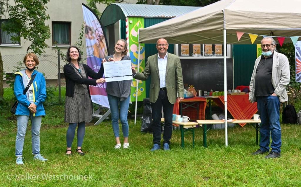 Einweihung Inselcafé: Carmen Neuman-Hofmann, Silke Müller, Zita Hille, Ulrich Abersmeyer, Michael Feine Foto: Volker Watschounek