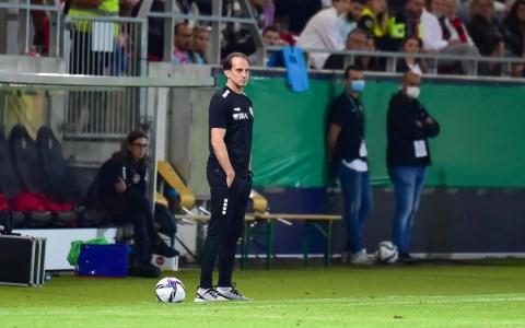 Trainer Rüdiger Rehm am Spielfeldrand
