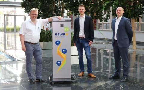 Diakoniestation gewinnt ESWE-Ladesäule