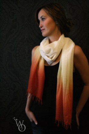 model Brechje schulte wearing gradient scarf