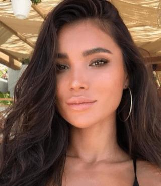 gorgeous latin girl
