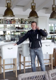 Der WIFI-Lehrgangsleiter Mag. Johannes Schreiner ist seit 20 Jahren im Eventmanagment aktiv. Als selbständiger Eventmanager ist er u. a. für Österreichs größte Golfveranstaltungen in verantwortungsvoller Funktion tätig – darunter die Lyoness Open mit ihren Weltklassegolfern und das Erste Bank Open, Österreichs größtes Tennisturnier.