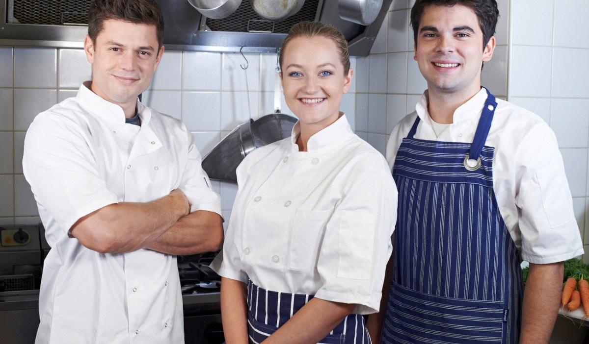 Der F&B-Manager kämpft gegen den Fachkräftemangel in der Gastronomie