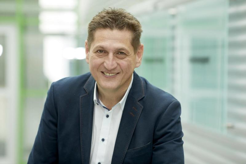 Verkaufsgespräch Thomas Pfummerl WIFI Steiermark