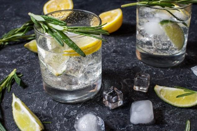 ein zubereiteter Cocktail, Einsatz von Angostura Bitter