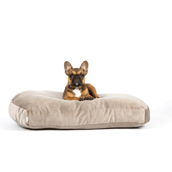 Laboni Laboni Design hondenkussen Luna fluweel taupe