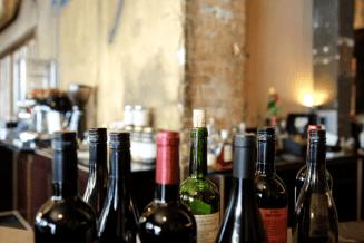 verschillende wijnen proeven