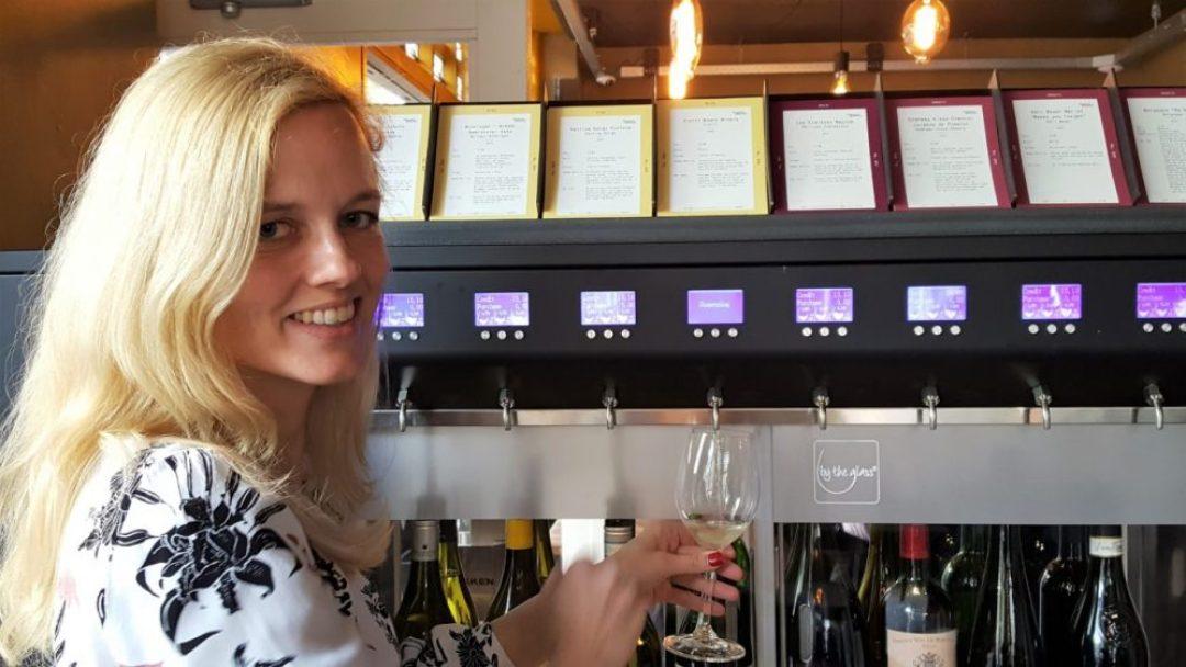 Zelf wijn tappen in Amsterdam By the Glass