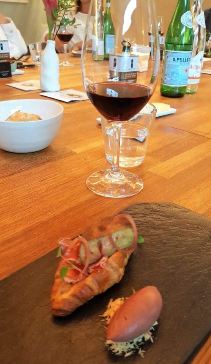 restaurant Fris in Haarlem: croissant eendenlever