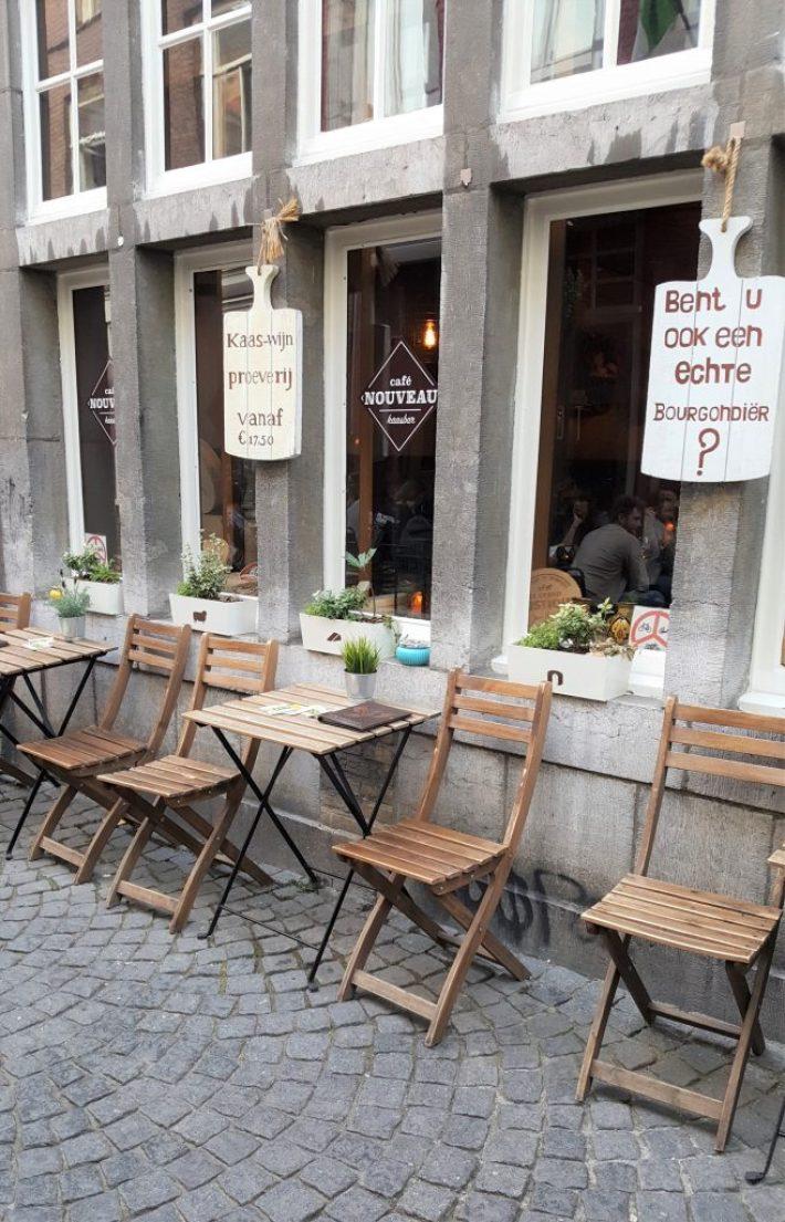 Borrelen en eten in Maastricht: cafe nouveau kaasbar terras