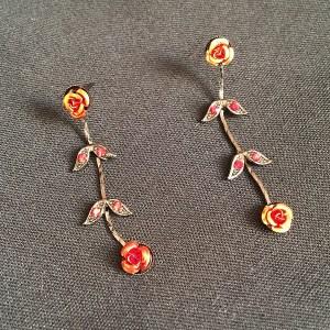 Luxusné náušnice retiazka s kvetmi bizuteria