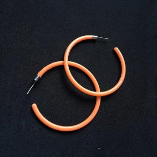 Veľké náušnice kruhy plastové. Farba- oranžová. Rozmer: 5cm.