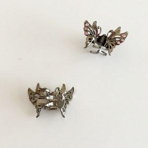 Krásny luxusný štipec do vlasov v tvare motýľa s krištáľmi. Farba- ruzová. Rozmer: 3cm