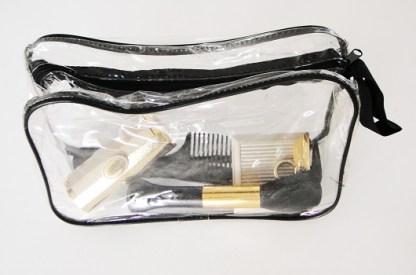 Veľká plastová taštička na kozmetiku amnoho užitočných pomocníkov. Farba- priesvitná. Rozmer: 22cm x 14cm.