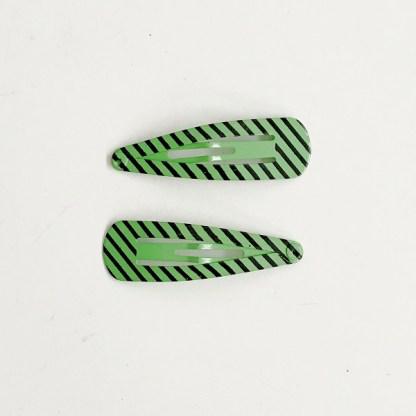 Krásne sponky pukačky do vlasov kovové s pruhmi pre ženy a detíčky, 2ks. Farba- zelená. Rozmer: 4cm.