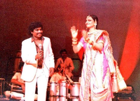 Johnny Lever with Rekha during a show