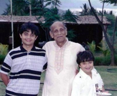 Namashi Chakraborty's with His Brother and Grandfather