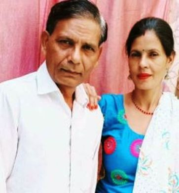 Shivani Khobiyaan's Parents