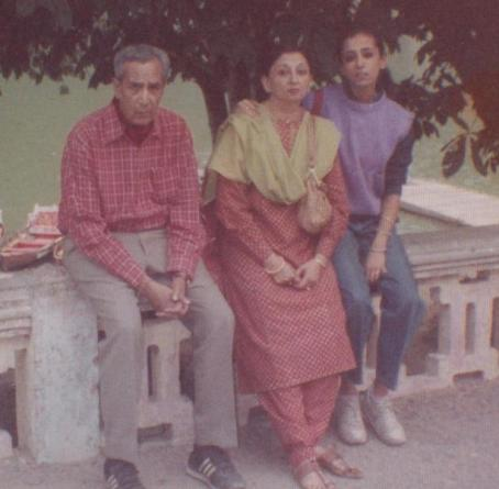 Sanjiv Bhasin's parents and sister