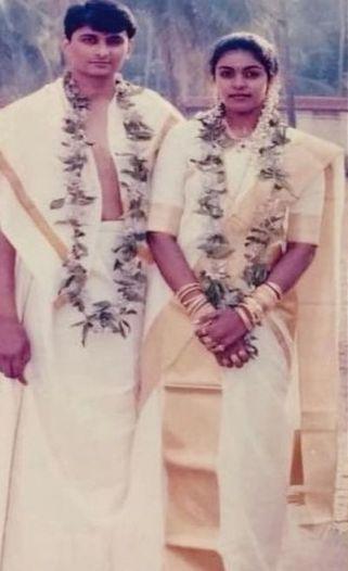 Wedding picture of Sandhya Manoj and Manoj Kaimal
