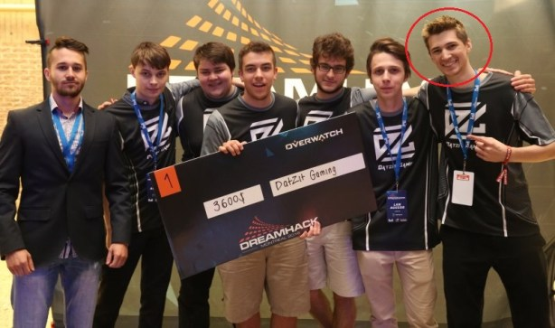 Lengyel and his team at the Dreamhack Montreal 2016 Overwatch tournament