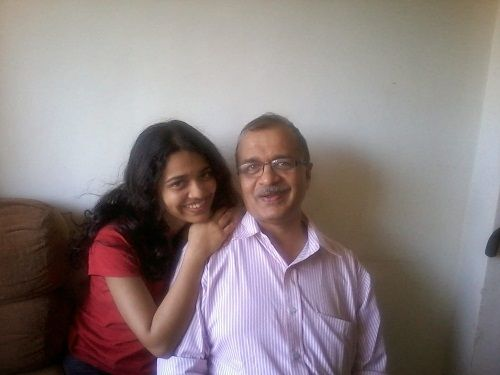 Saket Gokhale's sister and father