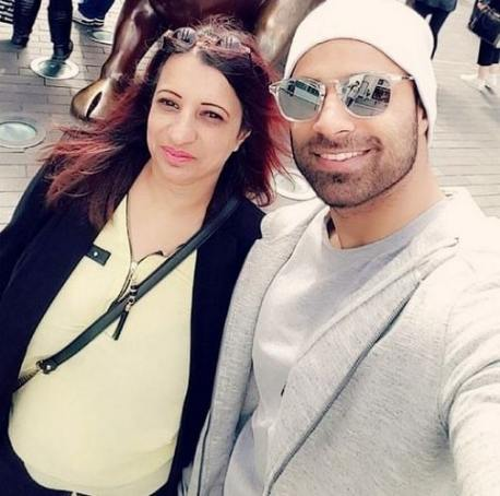 Rahim Pardesi with his mother