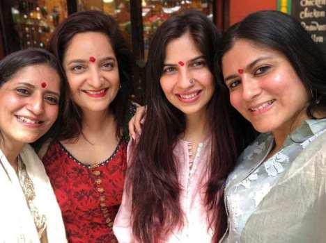 Priya Soni Kochhar, Mamta Sekhri, Shwetambari Soni, and Namrata Soni (left to right)