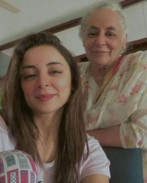 Sarwat Gilani with her mother
