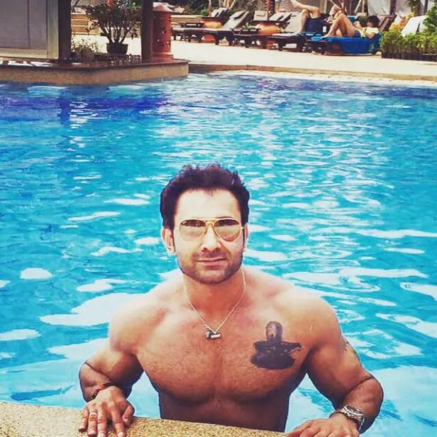 Mayank Singhvi, Anissia Batra's Husband