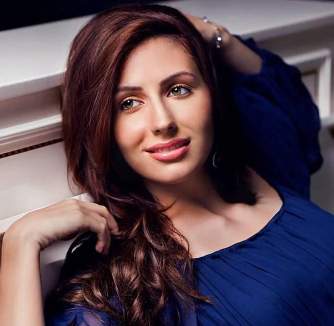 Natalie Di Luccio, Raghu Ram's Wife