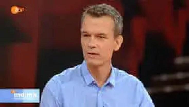 Peter Twiehaus as a TV presenter