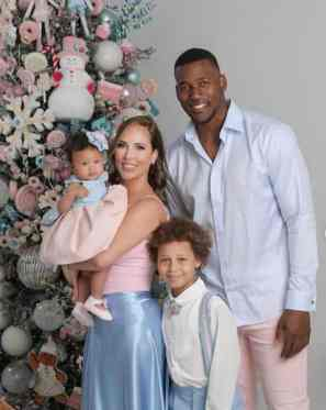 An Image of Leydis Serrano and her family